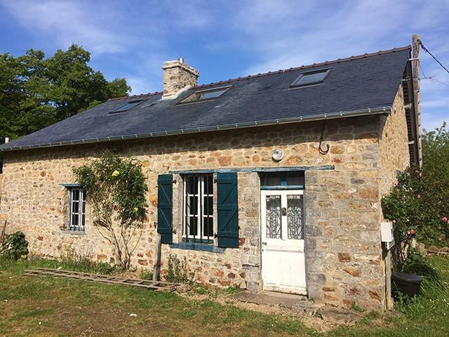 Peltier Charpentier Mayenne 53 Rénovation Couverture Ardoises Et Velux